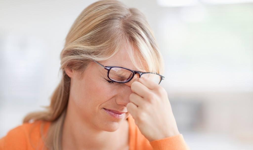 Справочник болезней симптомы и лечение  LikarINFO
