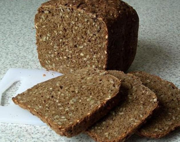 Отрубной хлеб с семенами подсолнечника