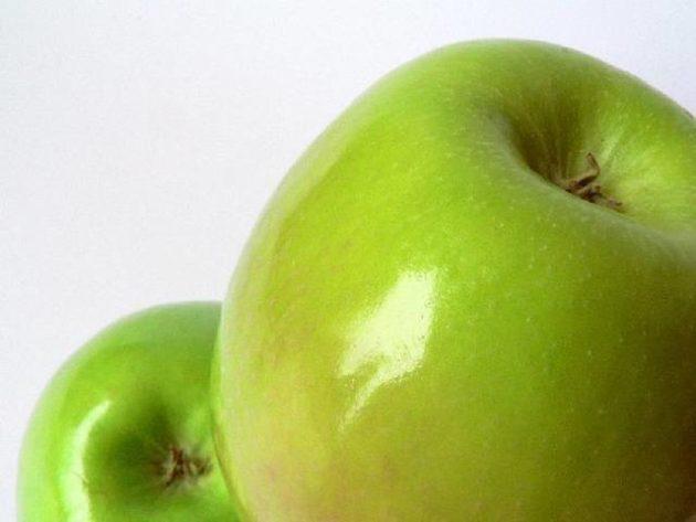 Яблоко под пищевым воском