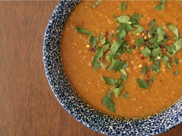 Чечевичный суп с зеленью