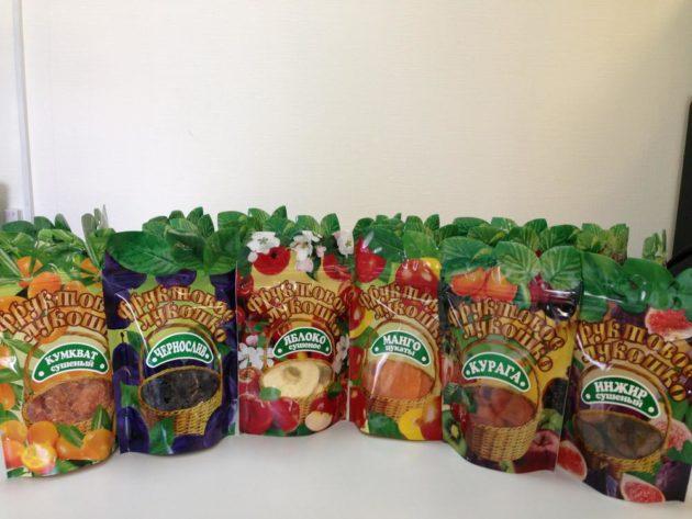 Сушеные фрукты в упаковках