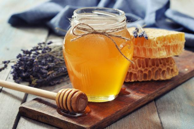 Лаванда, мёд и соты