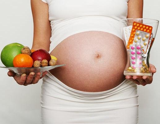 Беременная и витамины