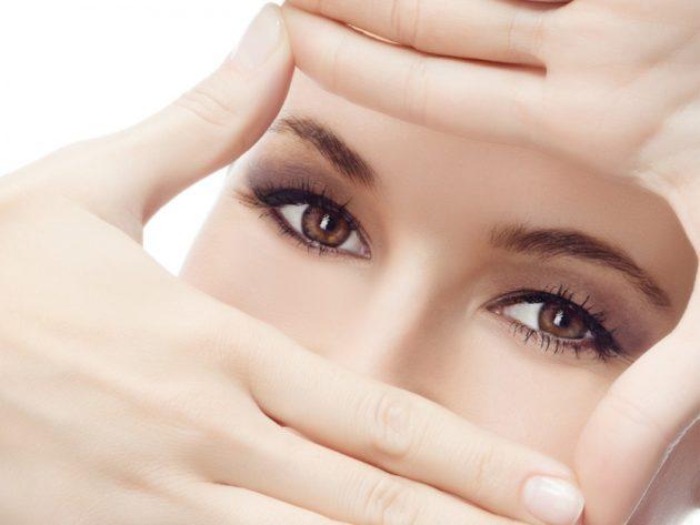 Девушка с красивыми и здоровыми глазами