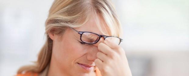 Сухость глаз: причины и лечение