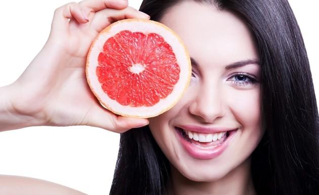 Девушка на грейпфрутовой диете