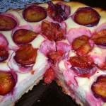 Сливовый пирог из сыворотки