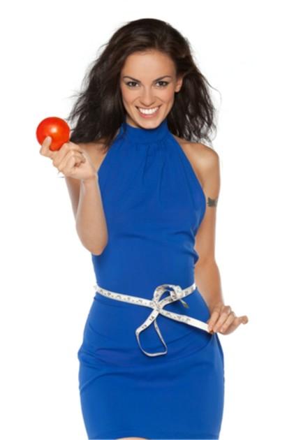 Стройная фигура с томатным соком