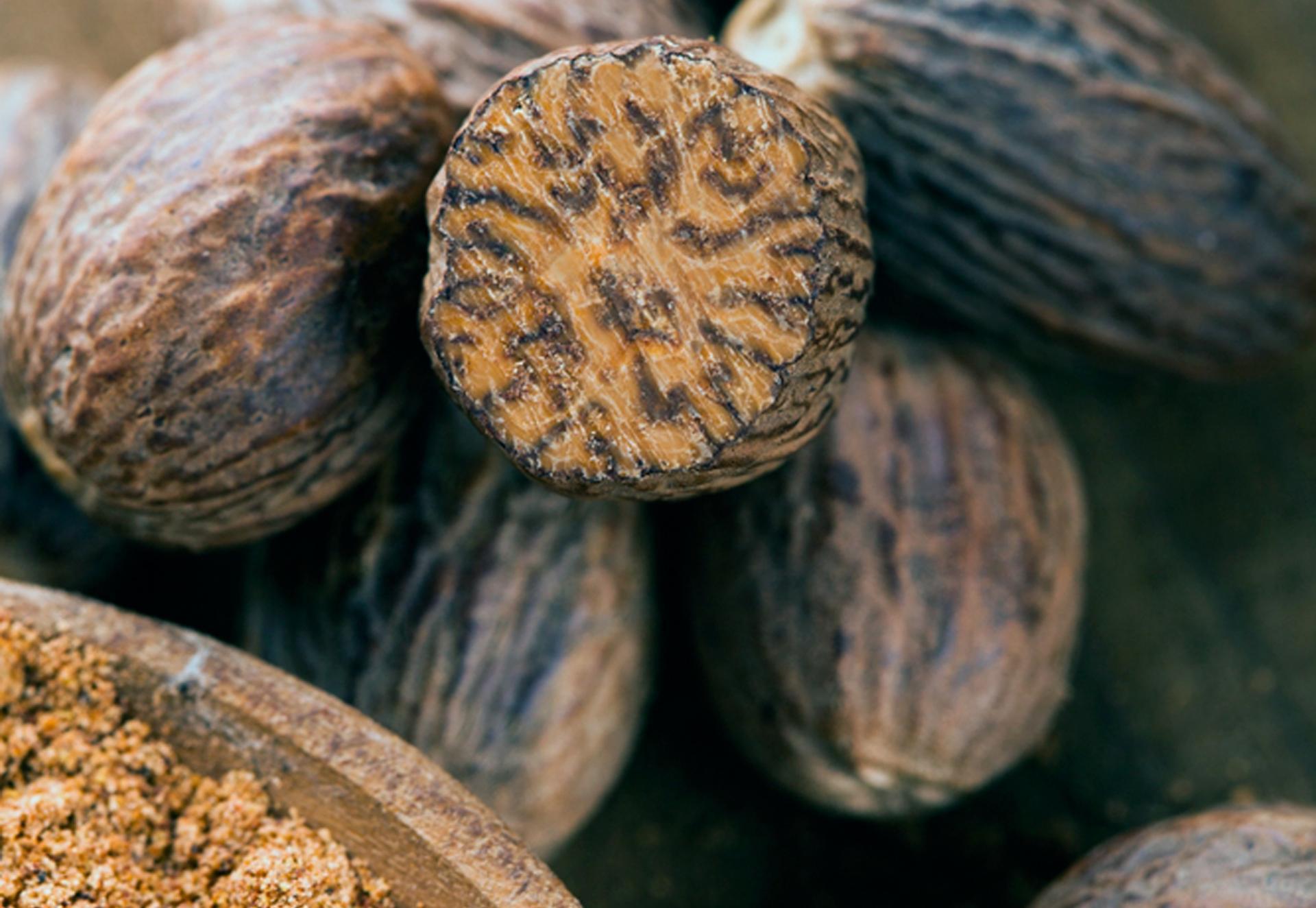 Мускатный орех специя