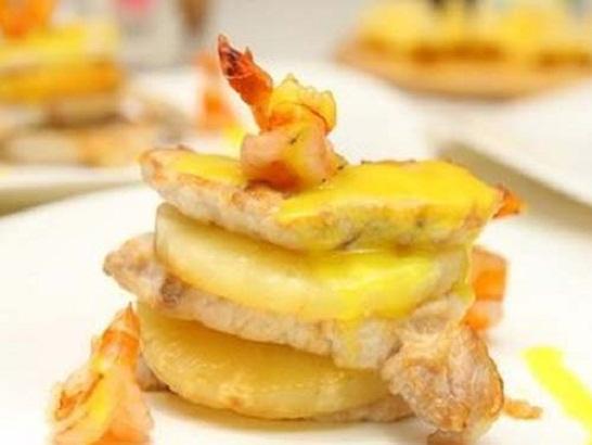 Канапе из свинины с ананасами