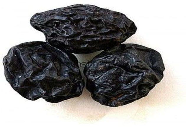 Плоды чернослива