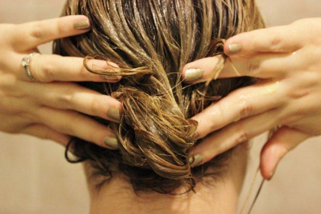 Маска для волос из липового мёда и сока лимона