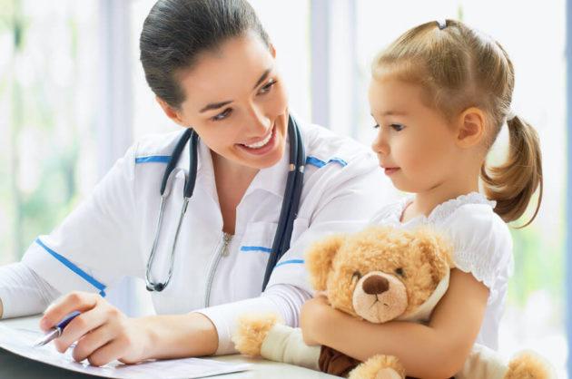Педиатр и ребёнок